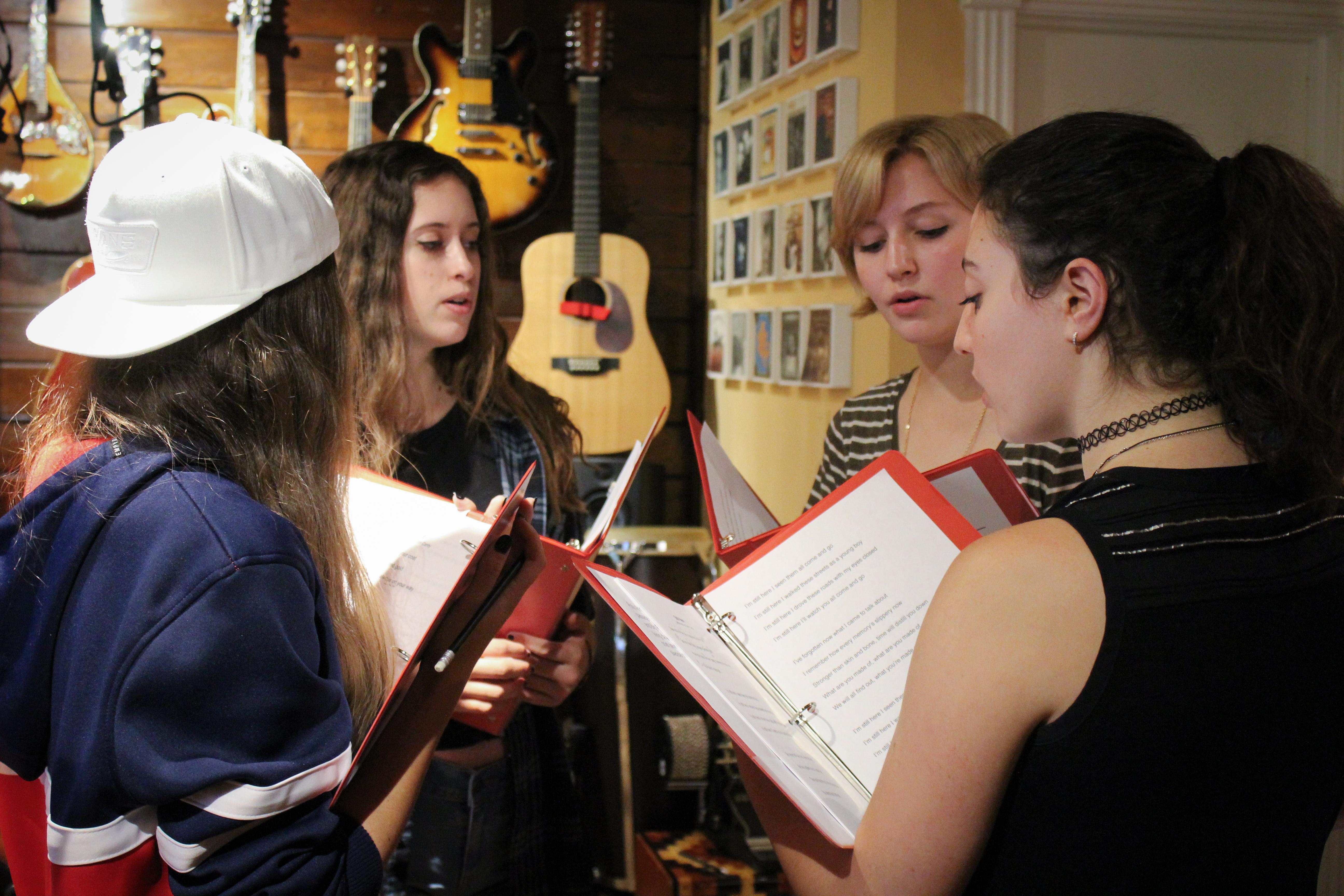 ELESVEE singers rehearsing